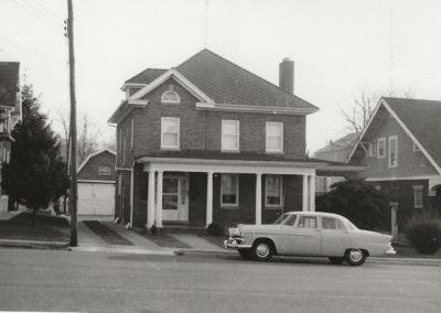 120 Lakin Avenue - Glen and Charlotte Haynes House