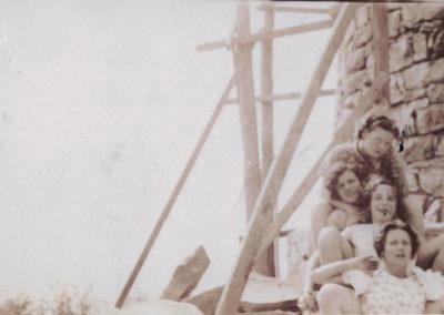 Washington monument renovation in the late 1930s: Charlotte Nicodemus, Virginia Gilardi, Doris Huffer, Rosie Gilardi
